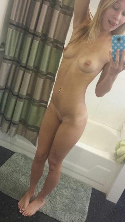 Jeune coquine nympho du 51 photo nue