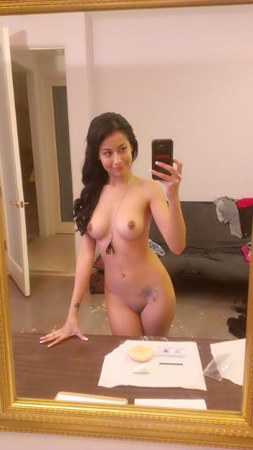 Jeune mère de famille du 09 manque de porno